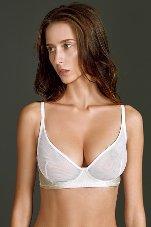 Bra •Basic white •